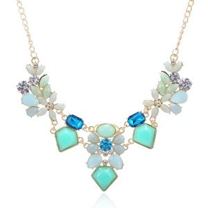 Beautiful Blue Statement Necklace, NEW